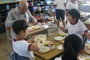 M鈴鹿 林和哉 受託者部会児童らと会食