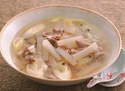 ダイコンと牛肉のスープ