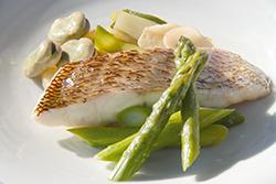 魚と野菜の蒸し焼き